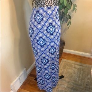 ⚡️⚡️ Old Navy Blue Geometric Print Long Maxi Skirt